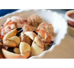 Easy Dinner for two! (Jumbo Stone Crabs)